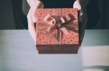 Cele mai frumoase cadouri pentru ziua ei de nume 2021 – Sfaturi, păreri, recomandări