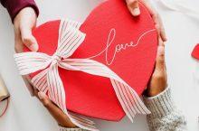 Cele mai bune cadouri de Valentine's Day sub 99 de lei